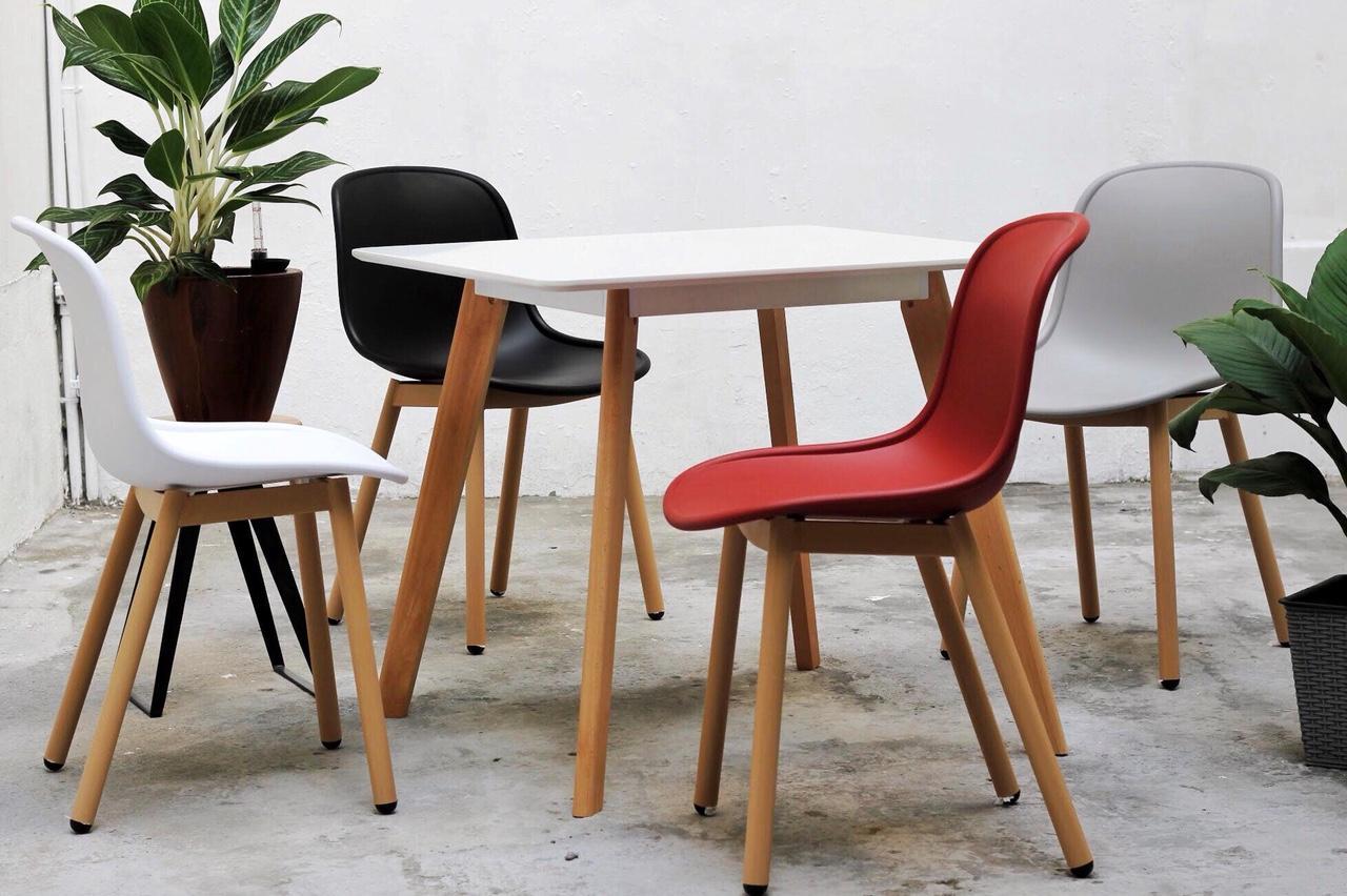 Bộ bàn ăn 4 ghế bằng gỗ BA LEXI HAL 08