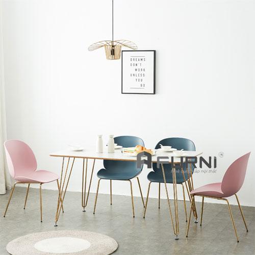 Bộ bàn ăn 4 ghế sang trọng hiện đại chân thép mạ màu gold BA HAIRPIN BEETLE