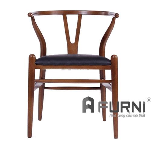 Ghế Wishbone tự nhiên cùng nệm tinh tế, bền đẹp màu nâu cổ điển