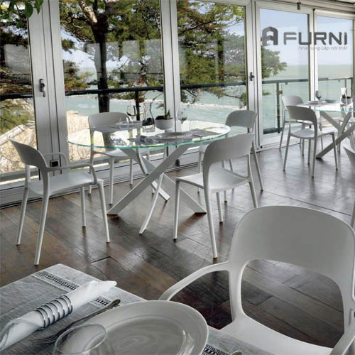 Ghế nhựa đúc Milan thích hợp cho các quán cafe trong nhà và ngoài trời