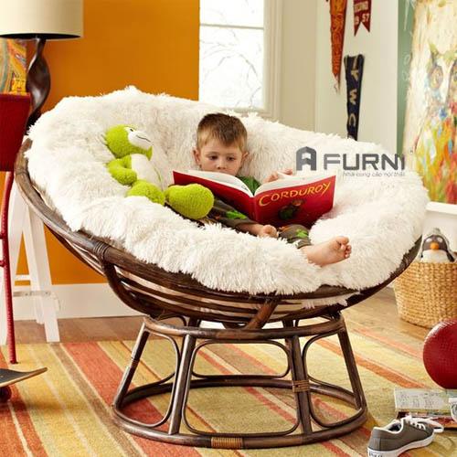 Bạn có thể dễ dàng tháo rời đệm ghế giặt sạch sẽ, hơn nữa những đường cong mềm mại không hề góc cạnh nên Papasan là một lựa chọn an toàn cho phòng ngủ hoặc phòng vui chơi của trẻ nhỏ.