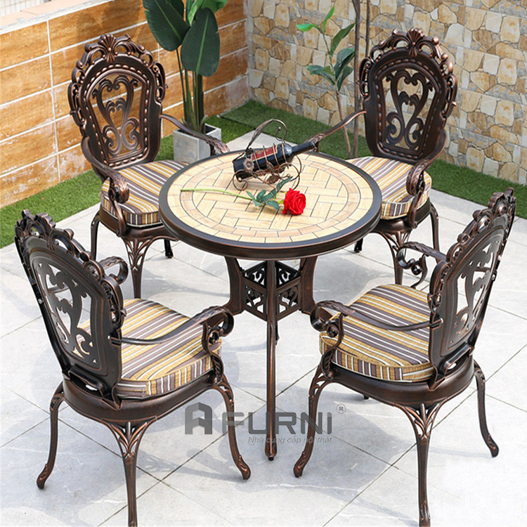 Bộ bàn 4 ghế outdoor có nệm
